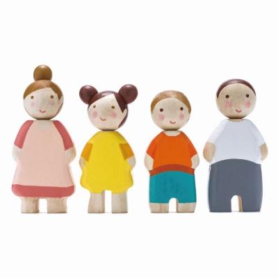 סט בובות עץ למשחק משפחת ליף tender leaf toys